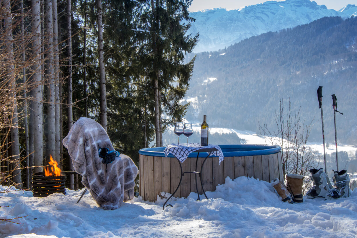 chalet-snow-view-wood-fired-hot-tub