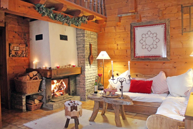 sittingroom_fireplaceDone